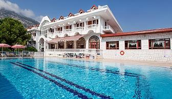 All Inclusive на брега на морето в Турция. 7 нощувки, басейн, СПА, шезлонг и чадър на плажа в хотел Larissa Mare Beach 4*, Кемер!