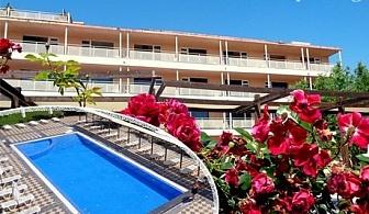 All Inclusive light + басейн на ПЪРВА ЛИНИЯ през Юли и Август в хотел Мета Бийч, Слънчев Бряг