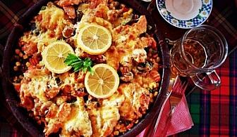 """Апетитно изкушение! Овчарски салати + комбиниран сач + десерти по избор за ДВАМА само за 21.80 лв., вместо 39 лв. от Ресторант """"Форс"""""""
