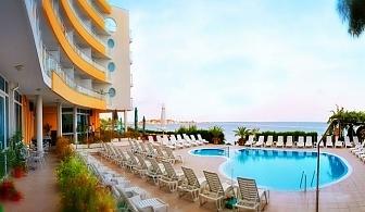 Август в Несебър на Топ цена!  Нощувка или нощувка със закуска, или закуска и вечеря + басейн в хотел Афродита***