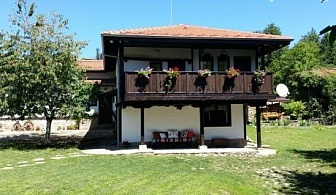 Бабината къща за 12 човека край Трявна с камина, механа, барбекю и още много удобства!