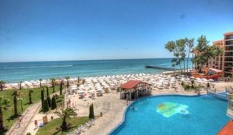 Безплатни чадър и шезлонги на плажа и Аквапарк в хотел Роял Парк - Елените за една нощувка на Ол Инклузив/ 11.09.2017 - 30.09.2017