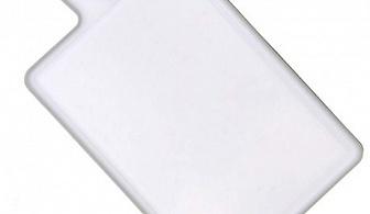 Бяла пластмасова кухненска дъска с дръжка