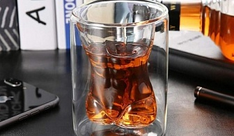 Чаша с двойни стени и форма на мъжко тяло