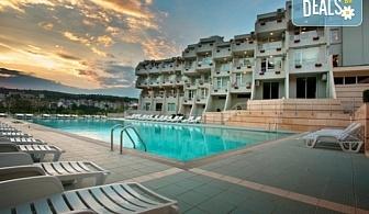 Чист въздух и релакс в хотел Панорама 3*, Сандански! 5 нощувки със закуски, ползване на открит минерален басейн, безплатно за дете до 5г.!