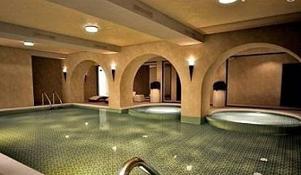 8-ми Декември в хотел Бор, Семково! 2 нощувки, закуски, празнична вечеря и DJ + басейн и СПА