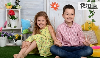 Детска или семейна фотосесия в студио с декори, аксесоари, 10 или 20 обработени кадъра + всички заснети, от Mimi Nikolova Photography