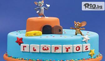 Детска торта с ванилов и шоколадов мус, с декорация по избор + безплатен надпис и кутия, от майстор сладкарите на Сладкарница Сладост