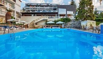 5 дни за двама със Закуска и вечеря от 19.06 в Kriopigi Hotel