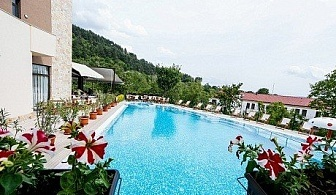 Два басейна и СПА с МИНЕРАЛНА вода в НОВООТКРИТИЯ хотел Огняново СПА****. Нощувка със закуска и вечеря само за 54 лв.
