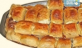 Един или два килограма домашна баница със сирене на хапки от Работилница за вкусотии РАВИ
