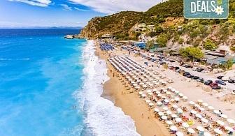Екскурзия през септември или октомври до о. Лефкада, Гърция: 3 нощувки със закуски, транспорт и посещение на плажа Агиос Йоаннис с вятърните мелници!