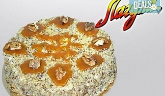 Френска селска торта: медени блатове, заквасена сметана и орехи от Виенски салон Лагуна! Предплатете сега 1 лв!