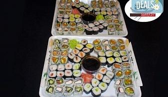 Хапнете с приятели! 128 суши хапки с пушена сьомга, филаделфия, бяла и розова херинга или скариди от Sushi Market!