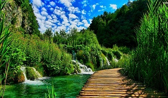 Хърватска приказка! Екскурзия до Плитвичките езера с АБВ Травелс! Транспорт + 5 дни/4 нощвуки със закуски в хотел 3* + разходки в Дубровник и Загреб!
