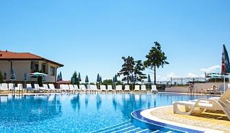 хотел Феста Гардения Хилс в слънчев бряг - Нощувка на база All inclusive + басейн с чадър и шезлонг + детска анимация и транспорт до плажа!!