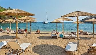 Изгодни цени за ранни записвания в луксозния хотел Thassos Grand Resort -о-в Тасос. За една нощувка със   закуска, вечеря, чадър и шезлонг на плажа и басейна / 27.04.2018 - 31.05.2018