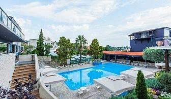 Изгодни отстъпки при ранни записвания в хотел Kriopigi - Касандра, за ДВЕ нощувки със закуска, вечеря, външен басейн, фитнес и анимация/ 01.05. - 17.05.2019