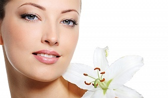 Кислородна терапия на лице, диамантен пилинг с перлен екстракт, кислороден серум, агло маска и хидратиращ крем от Салон за красота за красота Cuatro