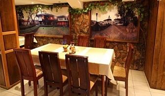 Коледа в Трявна! 3 нощувки на човек със закуски и 2 празнични вечери, едната с DJ от хотел Извора