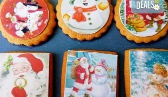 Коледни бисквити със снимка на Дядо Коледа, Снежния човек, джуджета, ангелчета и елхички от майстор-сладкарите на Muffin House!