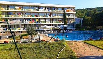 25.06 - 08.07 в Кранево! Нощувка със или без изхранване по избор + басейн в хотел Феста