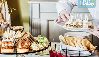 Кулинарна изненада за приятели и колеги! Комбинирани плата от 90, 135 или 180бр. хрупкави пилешки филенца, картофени крокети, брускети и коктейлни хапки от Кетърингхапки.com!