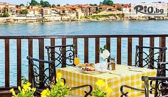 Last Minute почивка на брега на морето в Созопол! Нощувка със закуска и вечеря за двама или трима + закрит басейн и фитнес, от Хотел Корал 3*