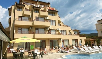 LAST MINUTE! 24 Юли - 1 Август в Слънчев бряг - на 100м. от плажа! Нощувка със закуска, обяд и вечеря + басейн в хотел Теди
