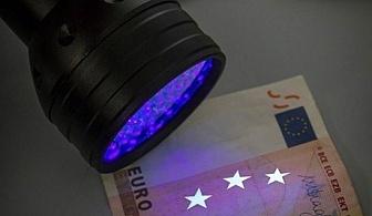 LED фенер с ултравиолетова светлина