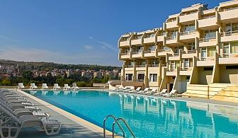 Летен релакс в Сандански. Нощувка, закуска и вечеря + басейн в хотел Панорама