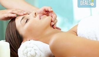 Лифтинг масаж на лице, шия и деколте + лимфодренажен масаж и маска в салон за красота Bellisima Donna