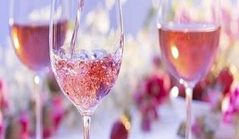 Луксозен сет за двама -  2 плата с коктейлни хапки и подарък бутилка ароматно розе от Кулинарна работилница Деличи, София