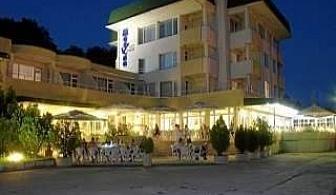 Лятна почивка 2019 в Китен, Ранни записвания с нощувка и вечеря до 09.07 в Хотел Марина Китен