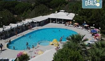 Лятна почивка в Кушадасъ, Турция! 7 нощувки All Inclusive във Flora Suites 3*, безплатно за дете до 12.99 г.