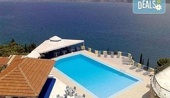 Лятна почивка в сърцето на остров Лефкада - Сънрайз 3*: 5 нощувки със закуски, транспорт и екскурзовод от Дрийм Тур!