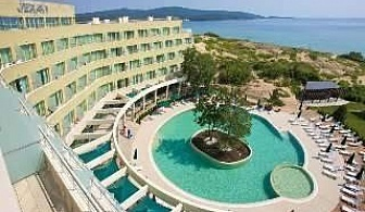 Лятна почивка до Северния плаж в Приморско, ТОП All Inclusive след 27.08 в Хотел Жерави 2, Приморско
