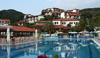Лято на Халкидики: 5 или 7 нощувки + закуски + вечери в хотел Aristoteles Holiday Resort & SPA**** за 222 лв