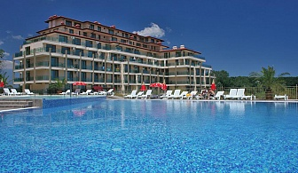 Лято на ПЪРВА ЛИНИЯ в Приморско. All Inclusive + басейн в Престиж Сити 2