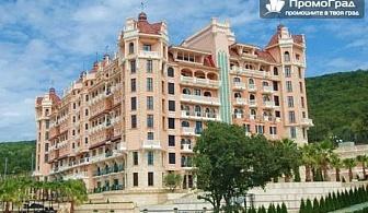Лято в Роял Касъл хотел & Спа, Елените (1.7-27.8). Нощувка (мин.3) + закуска за 2-ма+дете до 11.99г. в студио море