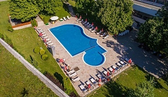 Лято в Сана Спа****, Хисаря! 3+ нощувки за ДВАМА със закуска + минерален басейн и СПА пакет