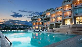 Лято в Сандански. Нощувка със закуска + басейн, шезлонг и чадър в Хотел Панорама!