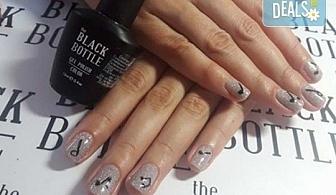 """Любов към музиката! Маникюр за музиканти с гел лак BlueSky + 10 рисувани декорации в стил """"черно и бяло"""" от Miss Beauty!"""