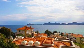24 Май в Кавала, Гърция, на метри от плажа. 3 нощувки за двама с гледка към морето + закуски в Апартхотел Елена