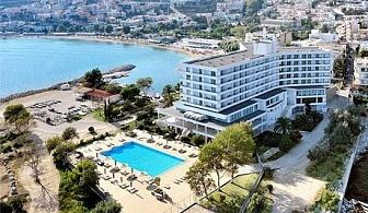 Май на първа линия в Lucy Hotel*****  в Кавала, Гърция – Нощувка на човек със закуска или закуска и вечеря+ басейн!