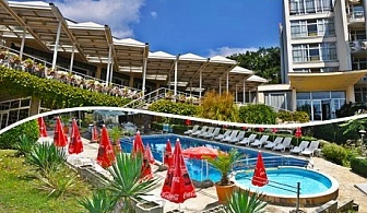 До 31 Май на 8 км. от Варна в хотел Нептун к.к. Константин и Елена. Нощувка или нощувка със закуска на цени от 16.90 лв.