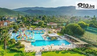 Майски празници в Платамонас, Гърция! 3 нощувки на база Ultra All Inclusive в Cronwell Platamon Resort + Безплатно настаняване на 2 деца до 16г, от Мисис Травъл