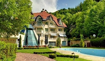 Майски празници в Рибарица! 2 или 3 нощувки, закуски и вечери в хотел Evergreen Palace***