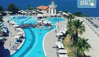 Майски празници в Sea Light Resort Hotel 5*, Кушадасъ, Турция! 4, 5 или 7 нощувки на база 24 ч. Ultra All Inclusive, възможност за транспорт!