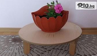 Малка кръгла масичка със сгъваема бамбукова стойка на три крака, от Svito Shop
